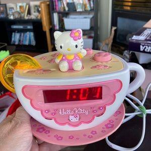 Hello Kitty AM/FM Alarm Clock with Night Light!